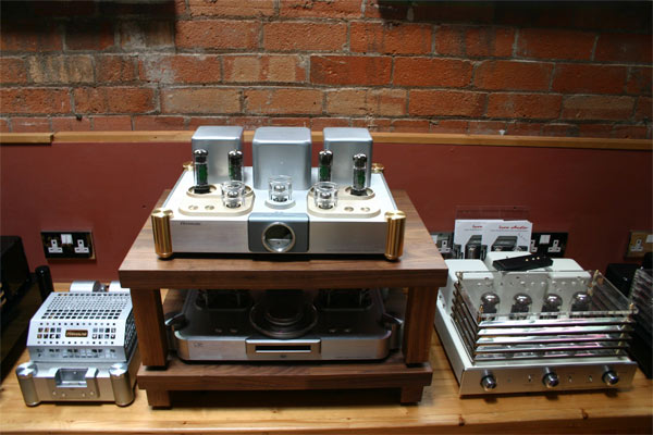Valve Amps on display