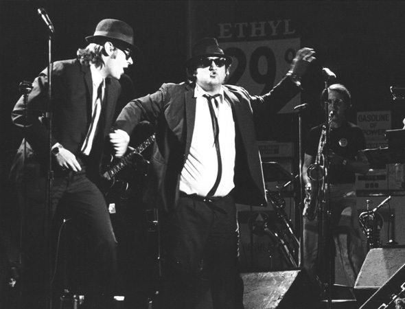 blues-brothers-performing