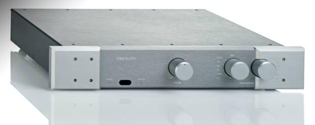 REVIEW ACCUSTIC ARTS POWER I (SEGUNDA PARTE) Clearaudio-balance-pre-amplifier-front