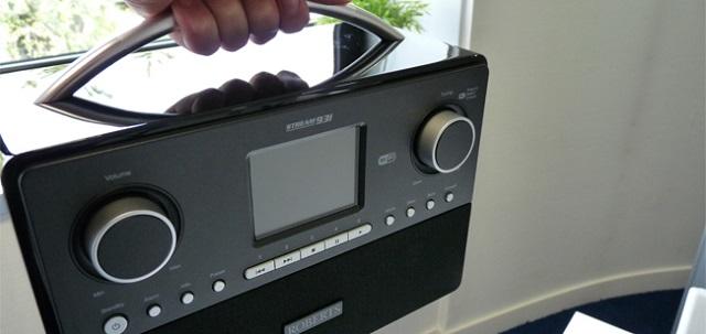 roberts-radio-93i-handle