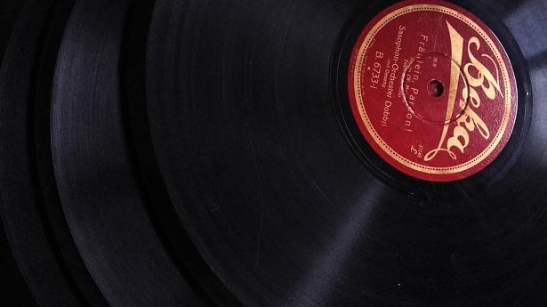 Vinyl Vs CD Vs Streaming: A history of music sources - Audio Affair Blog