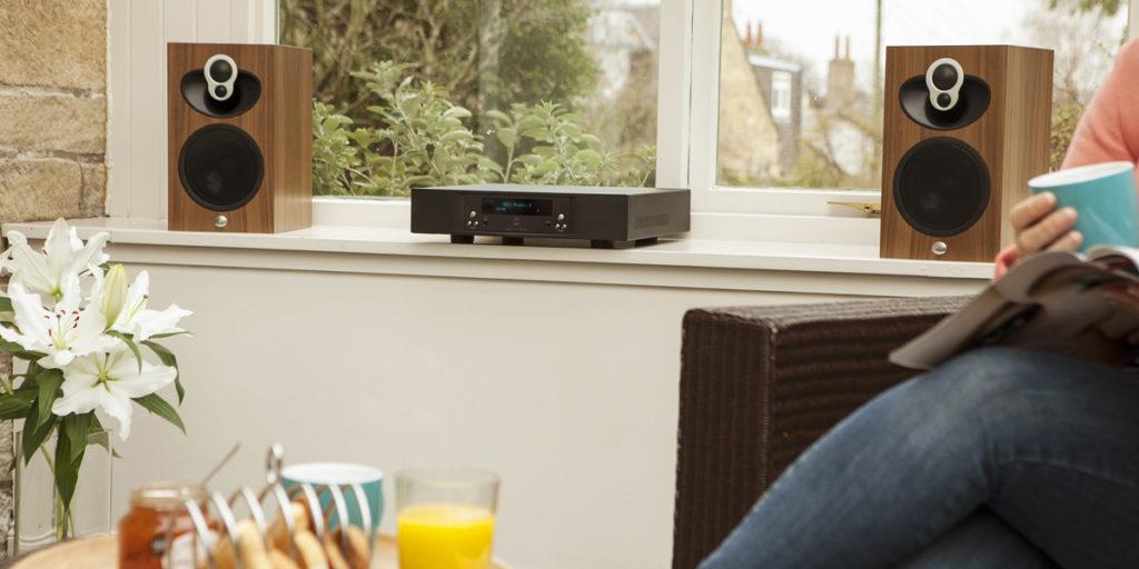 Linn Majik DSM hi-fi system black with 109 speakers